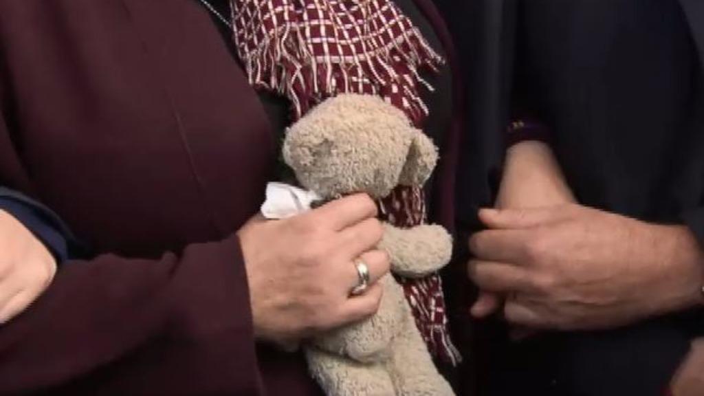 Mrs Cronin clutched a small teddy bear as she spoke. (9NEWS)
