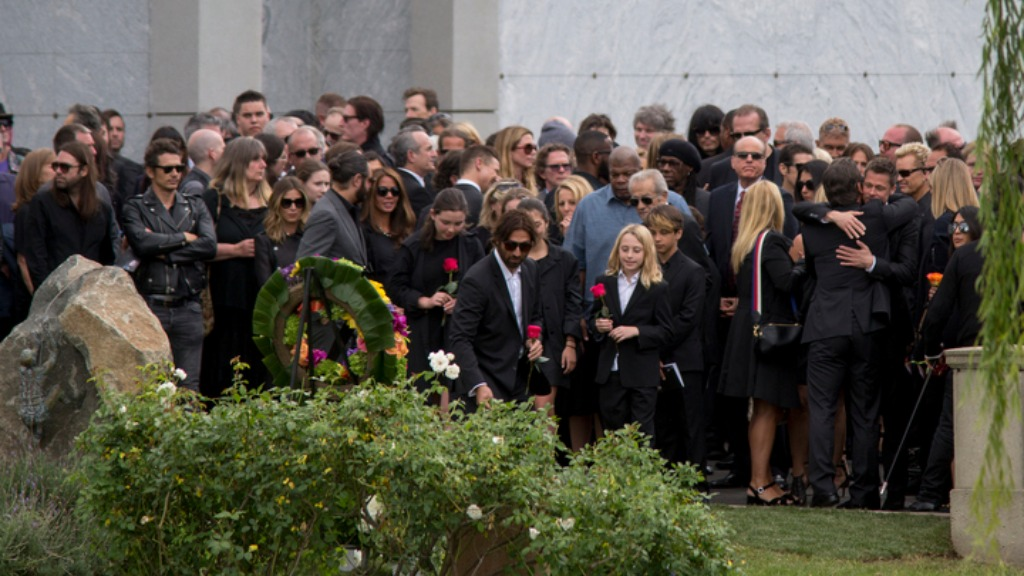Brad Pitt among celebrity mourners at Chris Cornell funeral