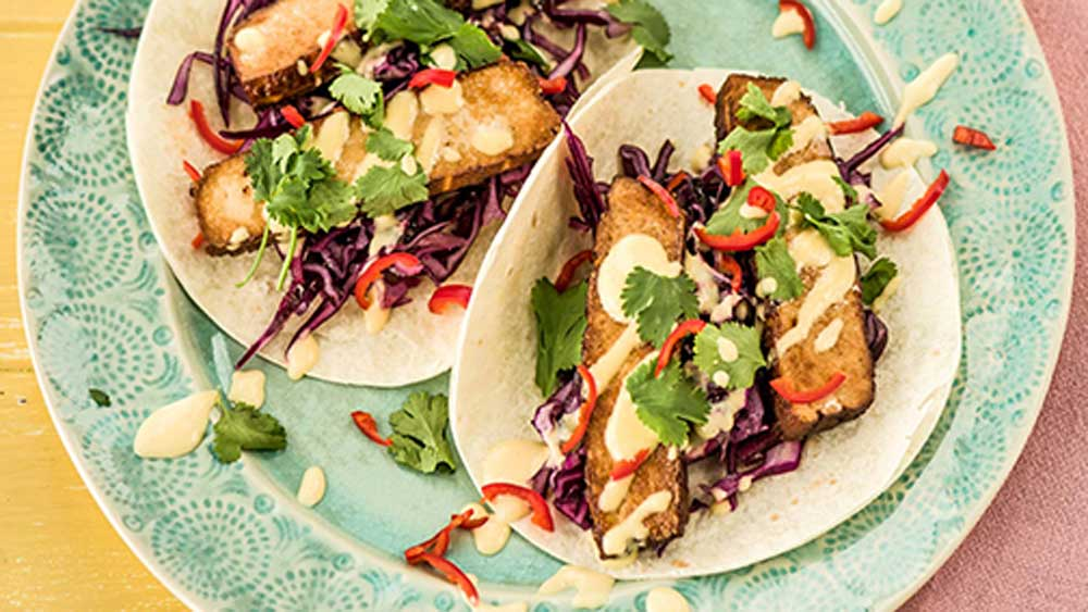 Spicy tofu tacos with mango mayonnaise