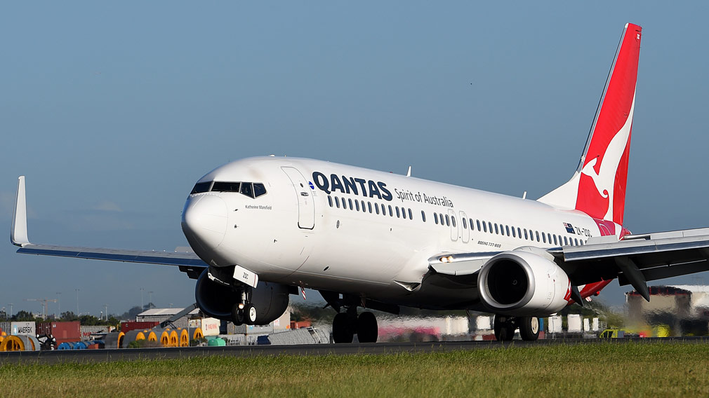 Passengers forced to leave Qantas flight due to plane being 'too heavy'