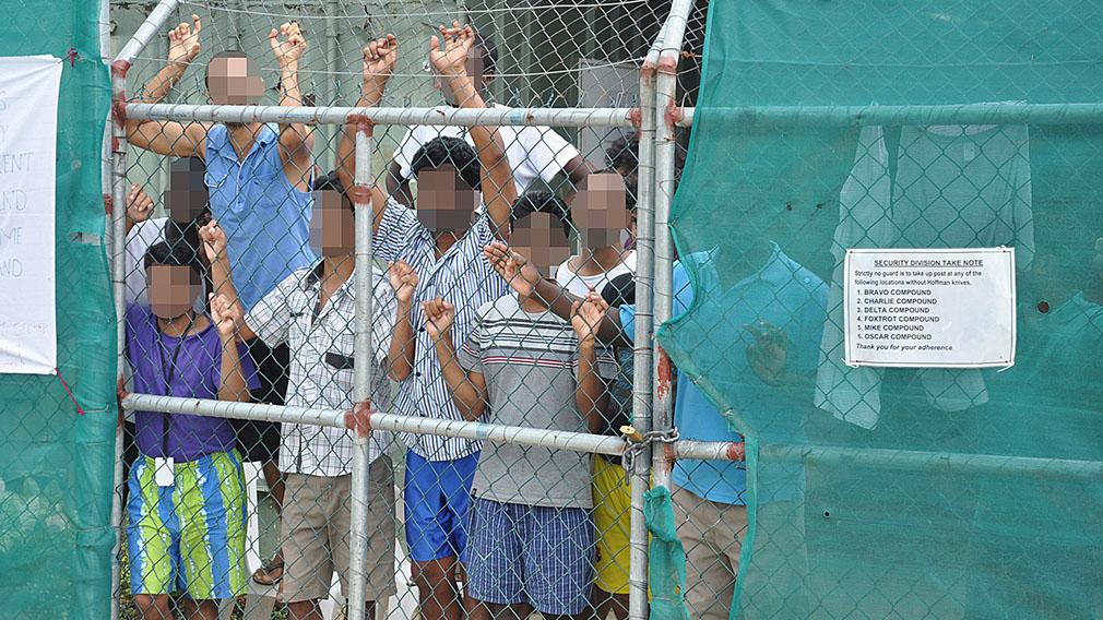 Government to pay Manus Island detainees landmark $70m settlement
