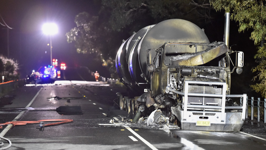 Emergency service crews at the scene of a truck crash on Tyabb-Tooradin Road in the Mornington Peninsula, Victoria, Thursday, June 22, 2017. (AAP)
