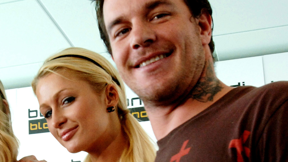 Abberton pictured with Paris Hilton at a promotional event in Sydney in 2007. (AAP)