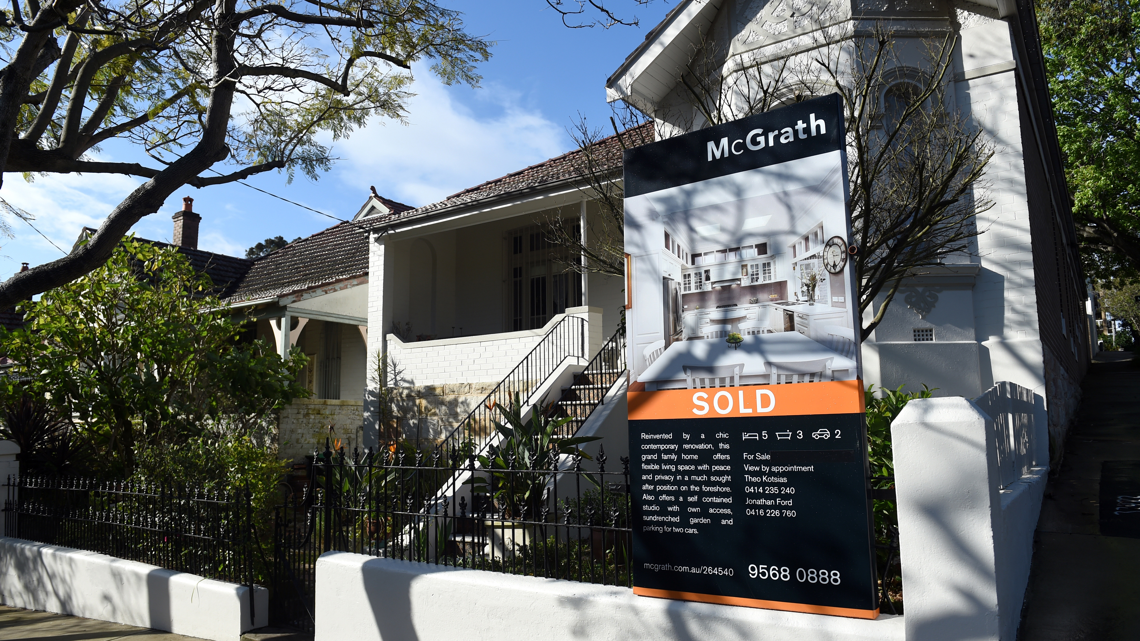 Median house prices in Sydney and Melbourne rise again