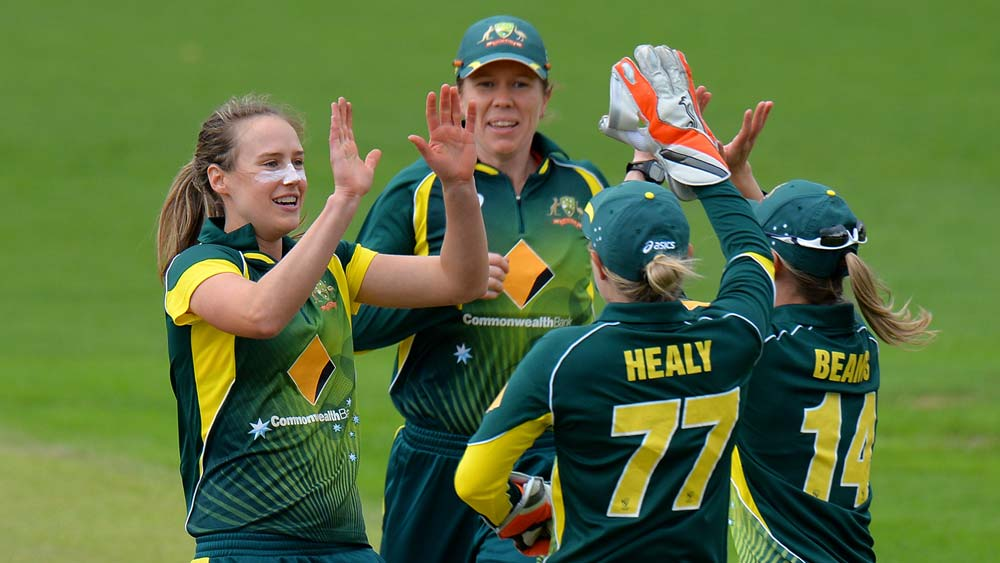 Sciver and Knight hundreds fire impressive England to victory over Pakistan
