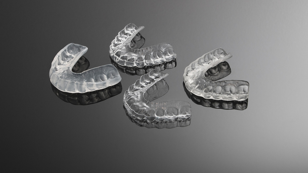 how to wear and take off night grind preventing mouthguard