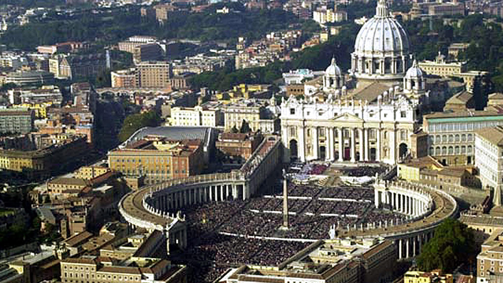 Vatican City gay sex party reportedly broken up by police