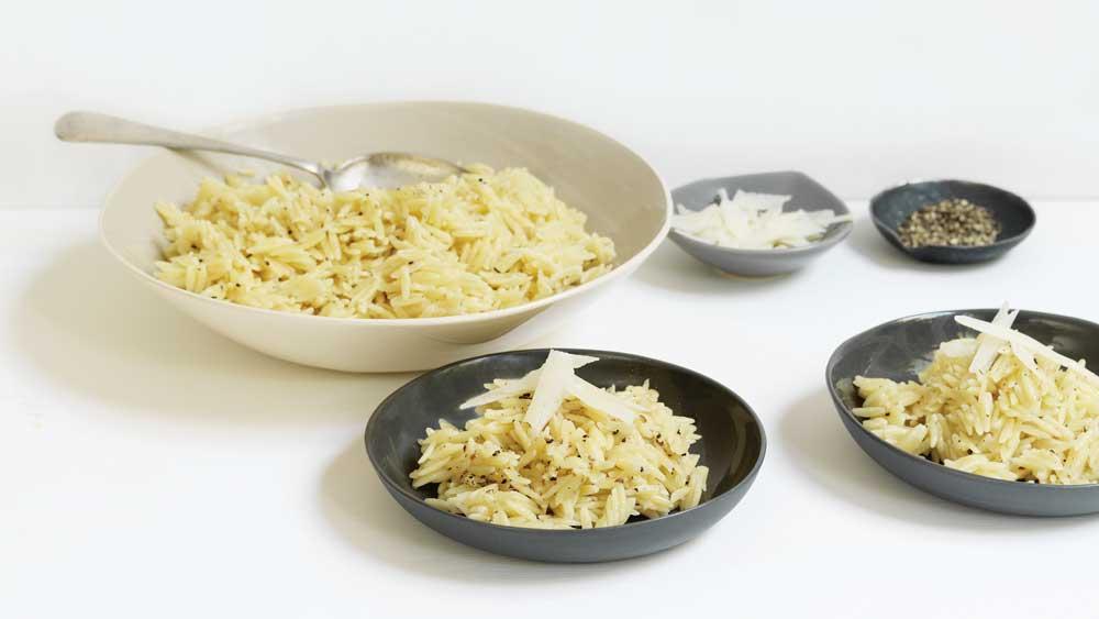 Cheesy orzo pasta