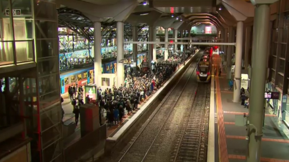 Commuter chaos after man arrested at Melbourne train station
