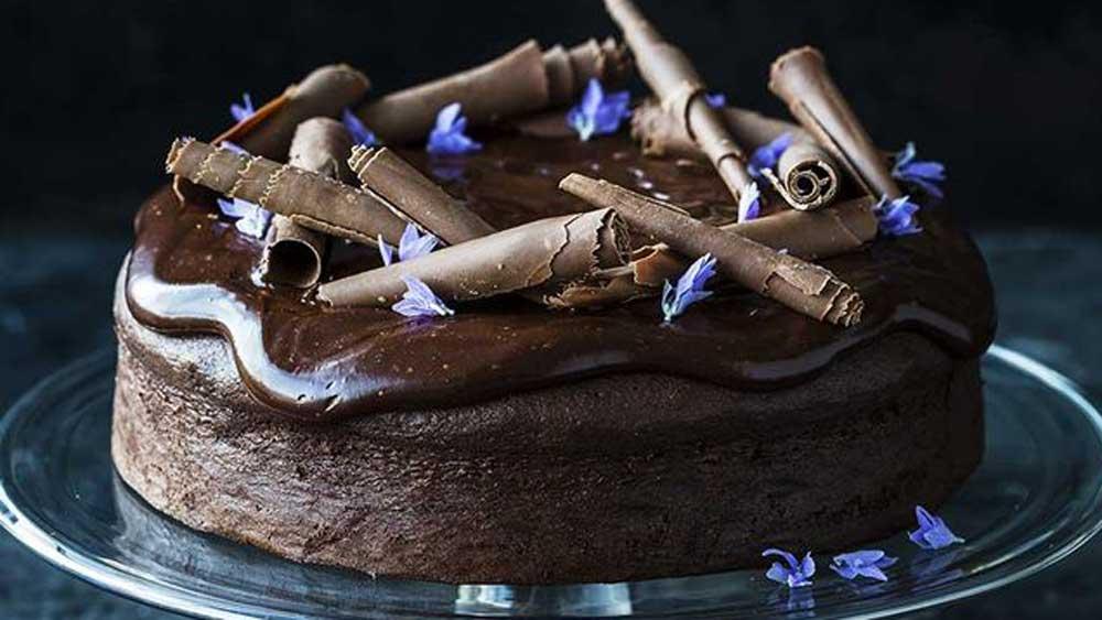 "Recipe:<a href=""http://kitchen.nine.com.au/2017/07/06/15/41/decadent-chocolate-cake"" target=""_top"">Kirsten Tibballs' decadent chocolate cake</a>"