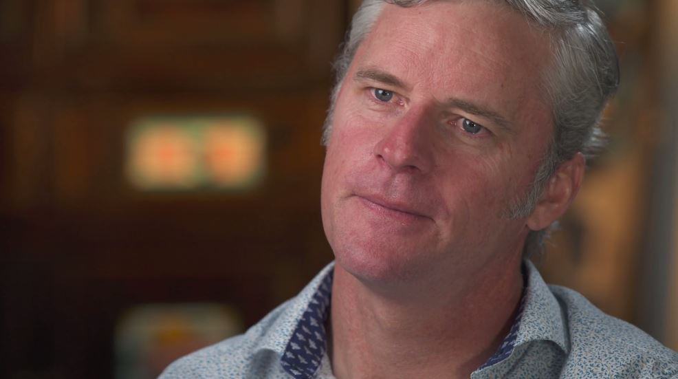 Stuart Diver became trapped inside his home when part of the Alpine Way gave out in 1997. (60 Minutes)