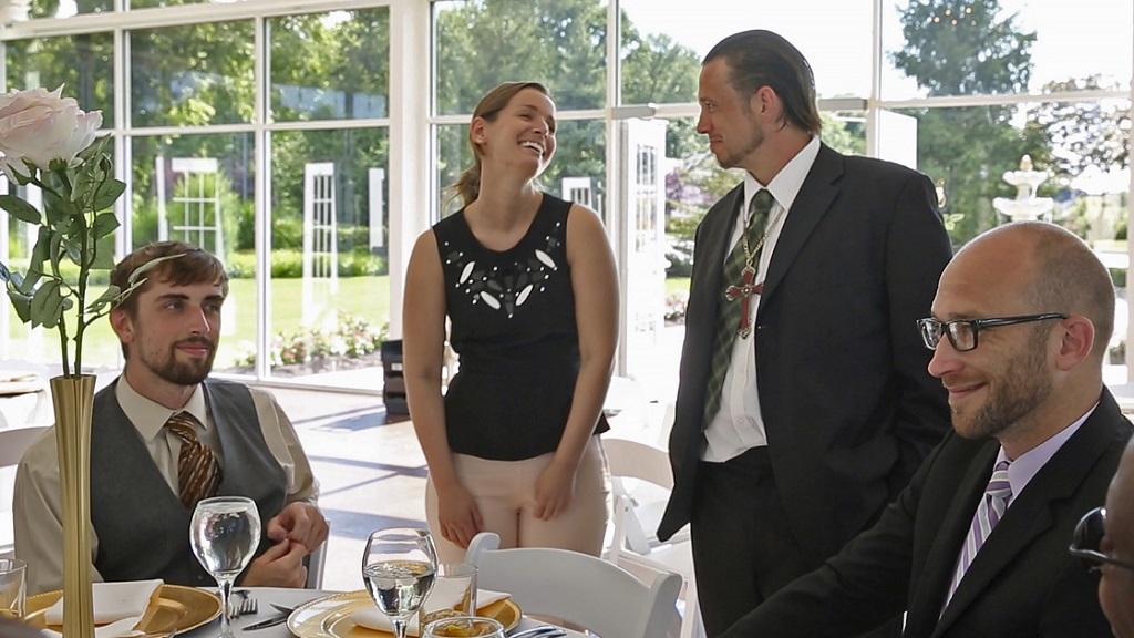 Cancelled $30K wedding becomes dinner for homeless