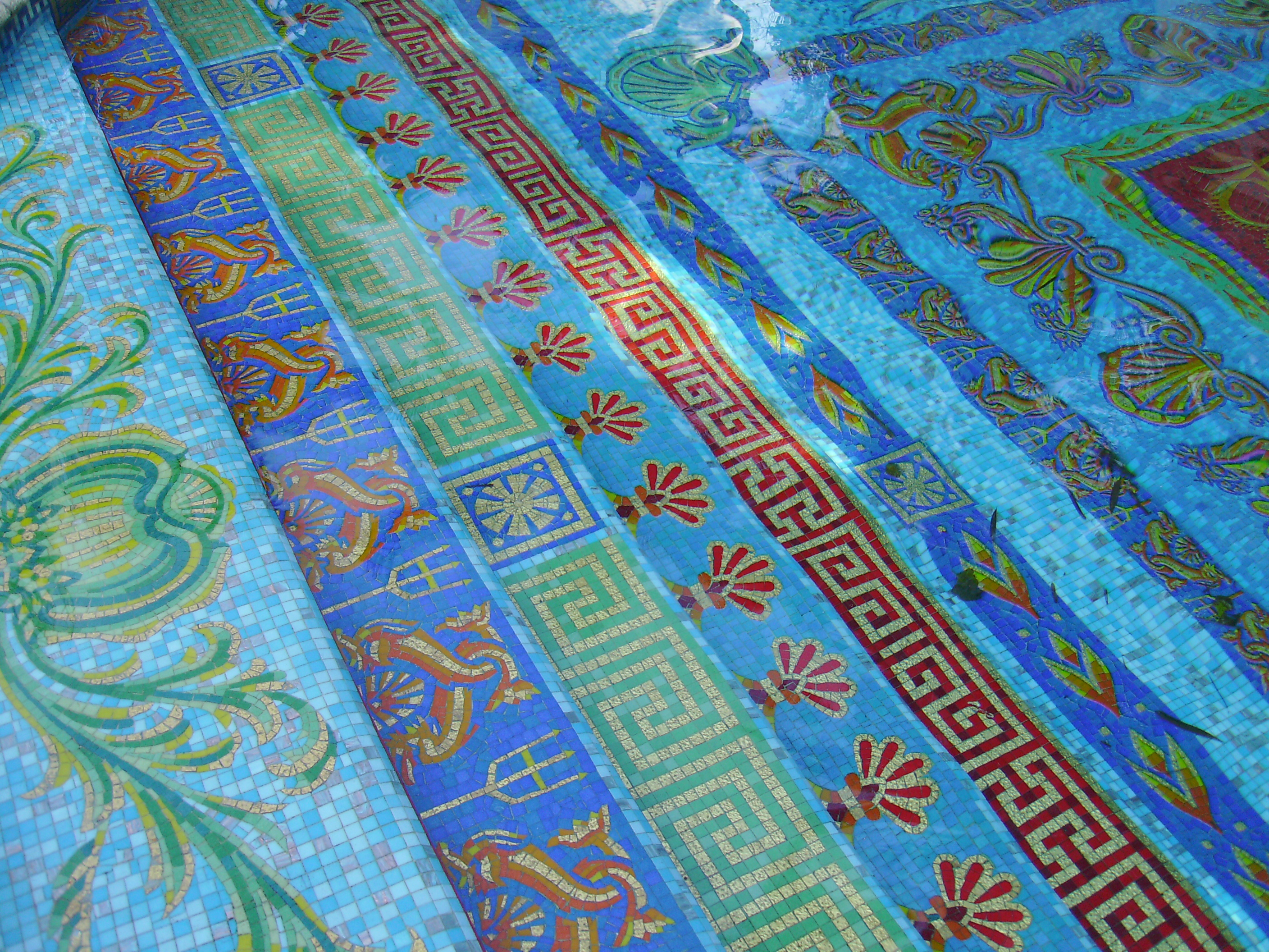 Secrets and facts about gianni versace s miami mansion for Versace pool design