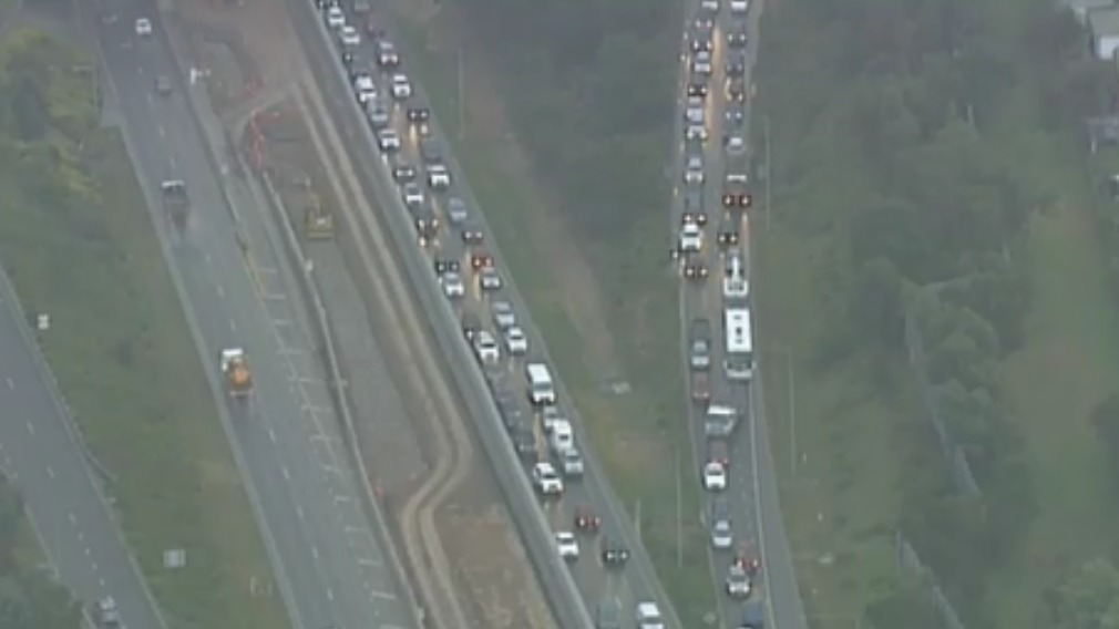 Major delays are expected on the freeway. (9NEWS)