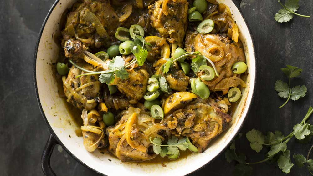 Easy lemon chicken with golden onions and green olives