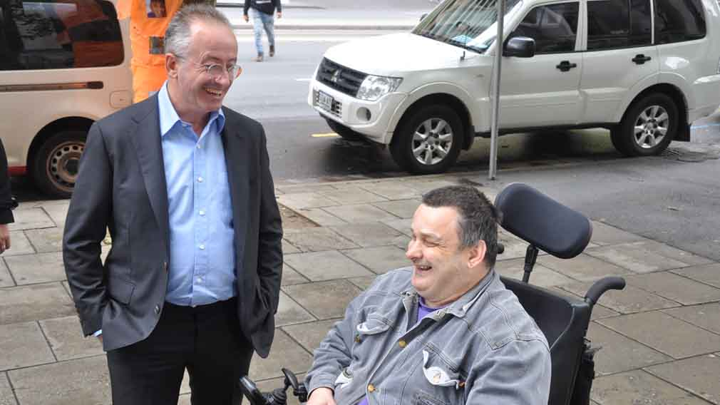 Andrew Denton leading charge for Victoria to legalise assisted dying