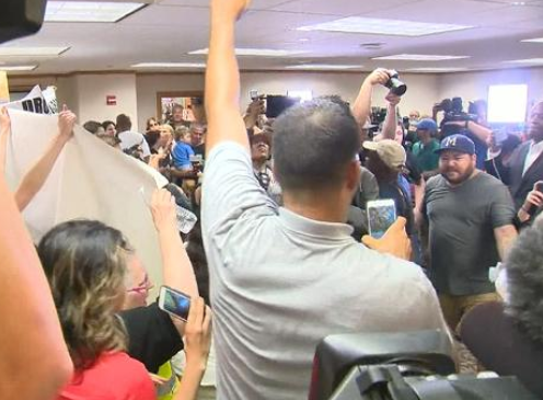 Protesters storm Minneapolis Mayor's press conference