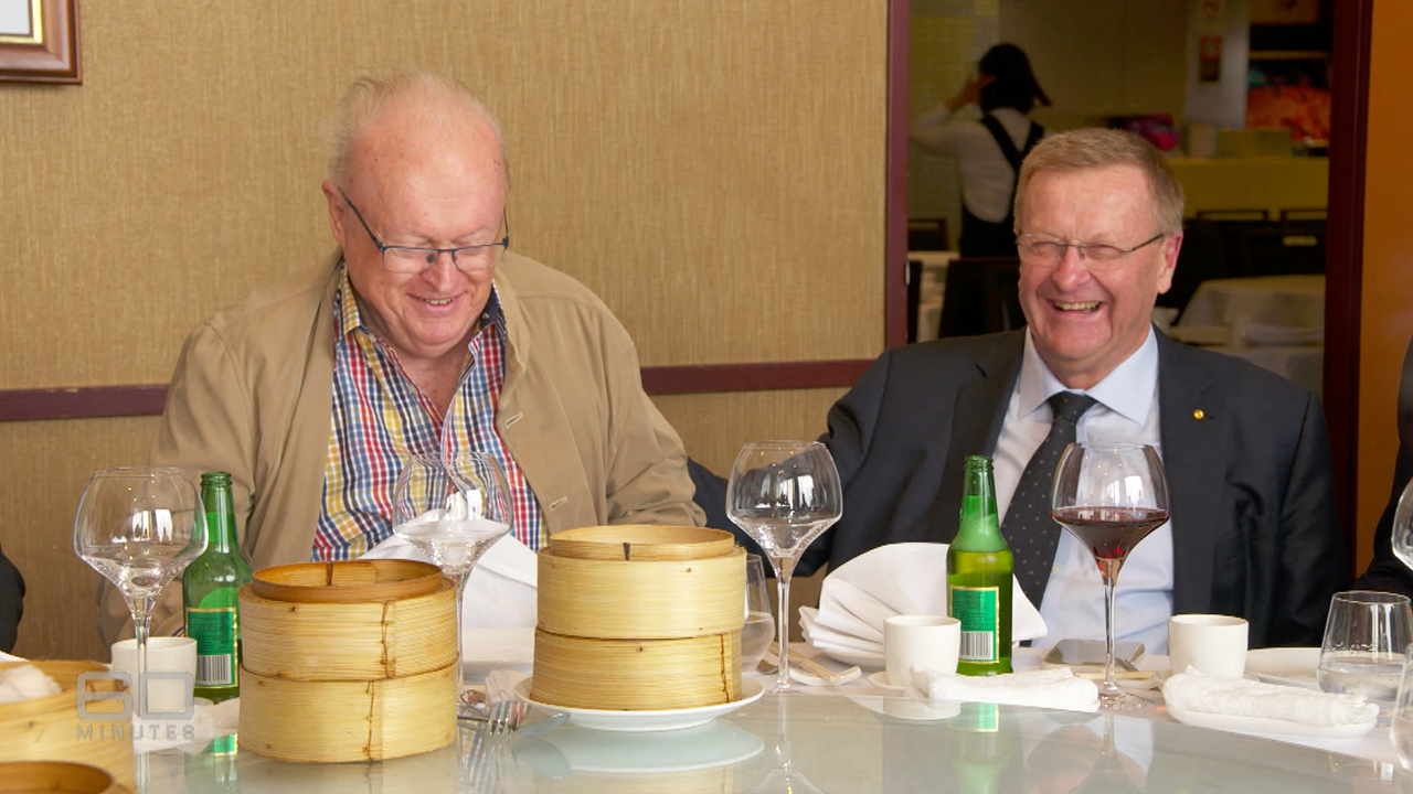 Richardson attends lunch with his mates once a week. (60 Minutes)