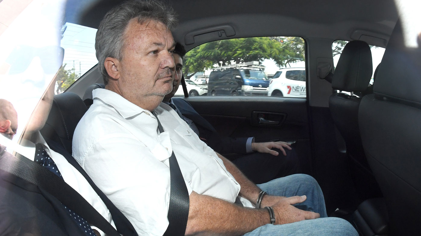 Conman Peter Foster to remain behind bars