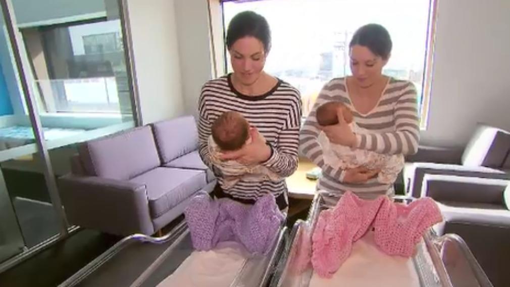 Geelong identical twins Monica Murnane (left) and Natalie Haugh (right). (9NEWS)