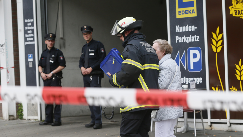 One dead after supermarket knife attack in Hamburg, Germany