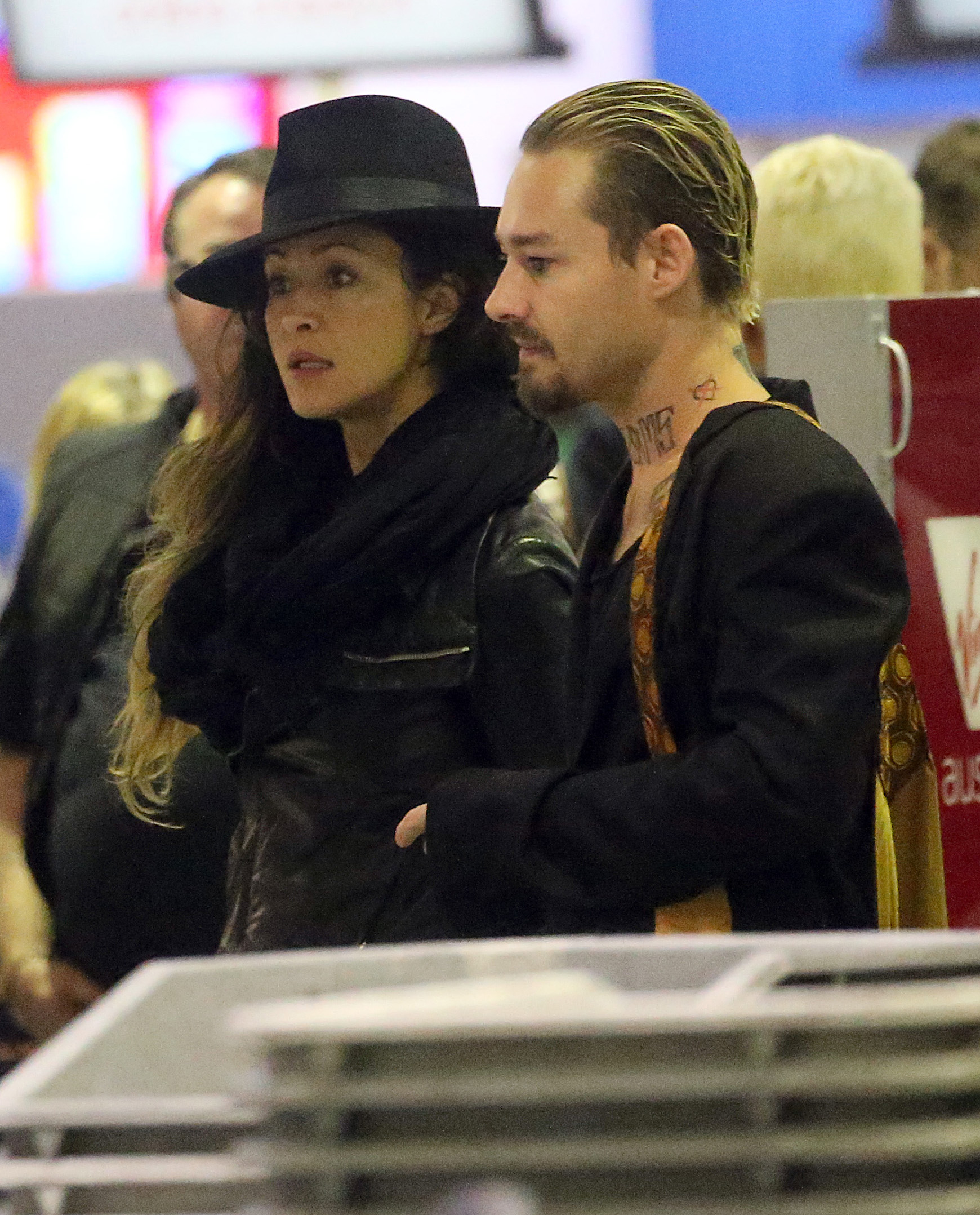 Daniel Johns Debuts Romance With Drug Offender Michelle