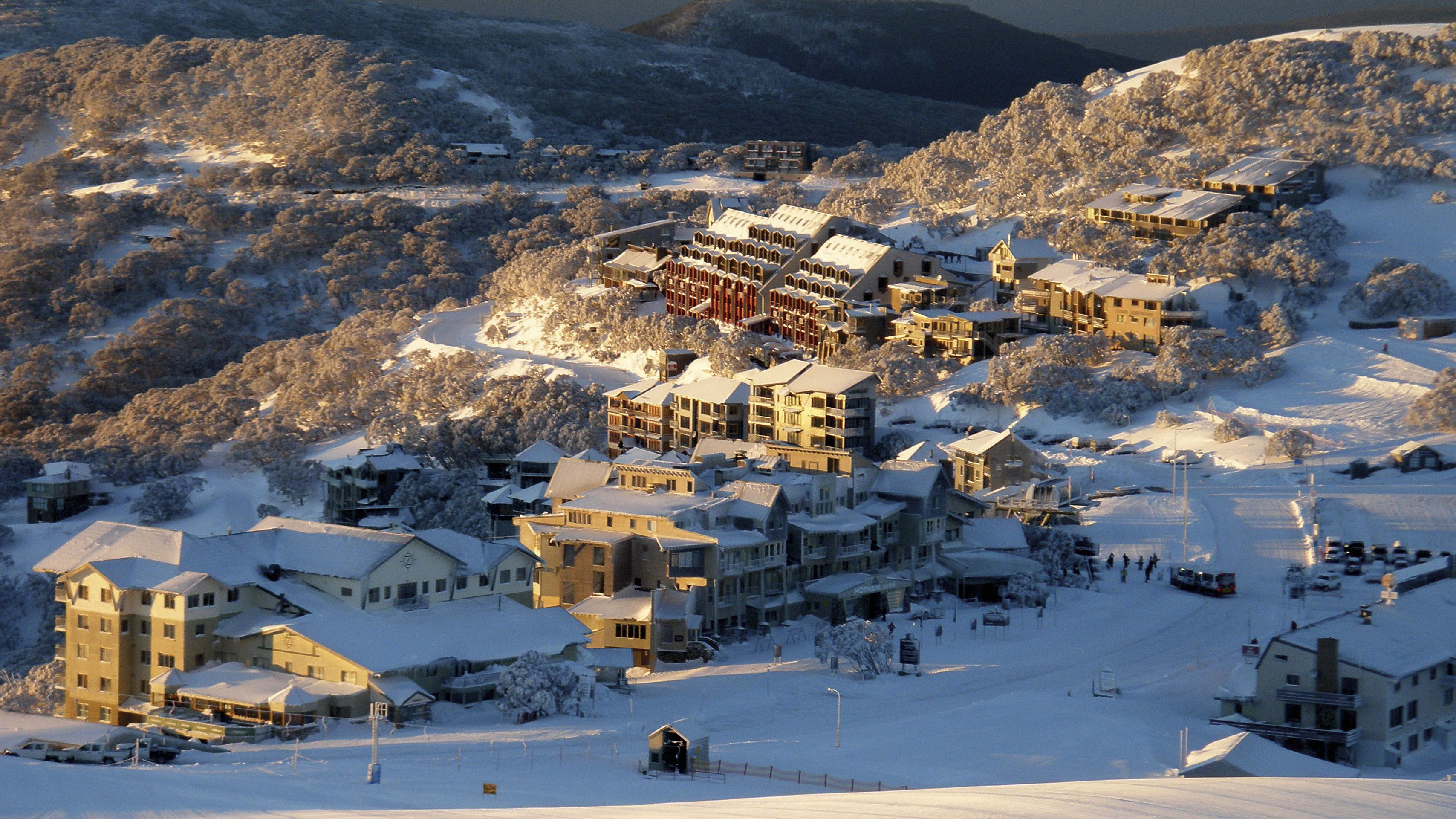 Strong winds are forecast to hit Mt Hotham in the Victorian Alps. (AAP)