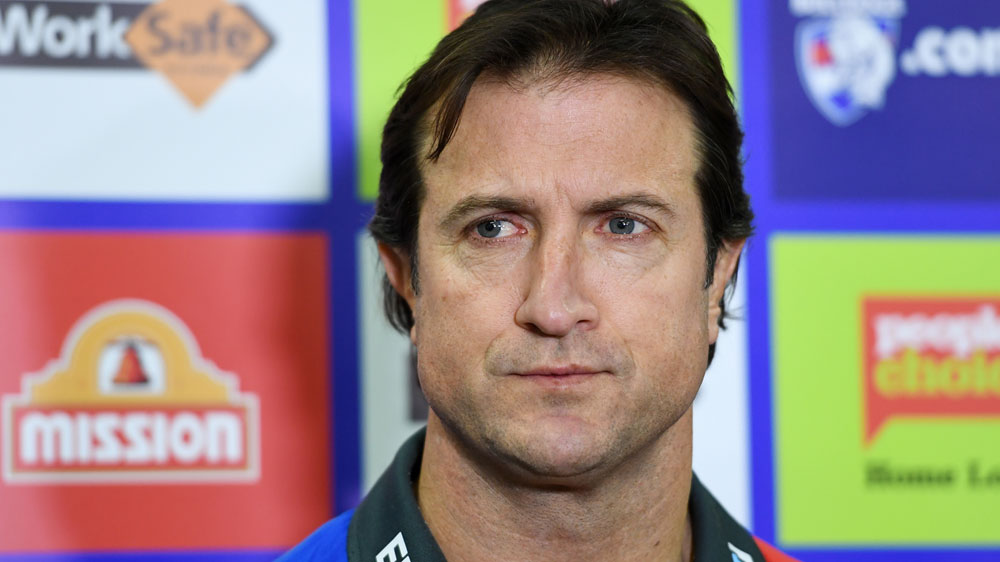 Western Bulldogs coach Luke Beveridge bristles over questions Murphy was omitted for Lions clash
