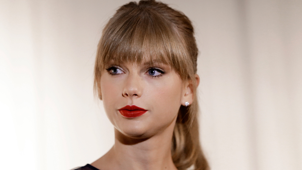 Taylor Swift appears at the Country Music Hall of Fame and Museum in Nashville, Tennessee on October 12, 2013. (AP)