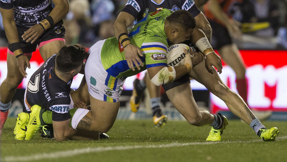 Josh Papalii scores a try for the Raiders against Cronulla. (AAP)
