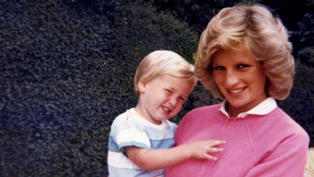 A pregnant Diana holds Prince William. (File image)