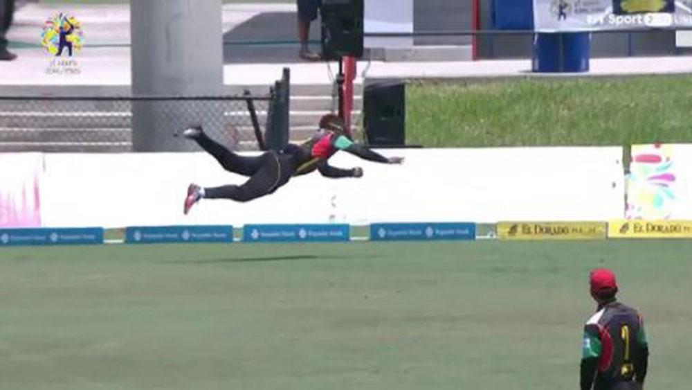 Fabian Allen takes stunning catch during Caribbean Premier League