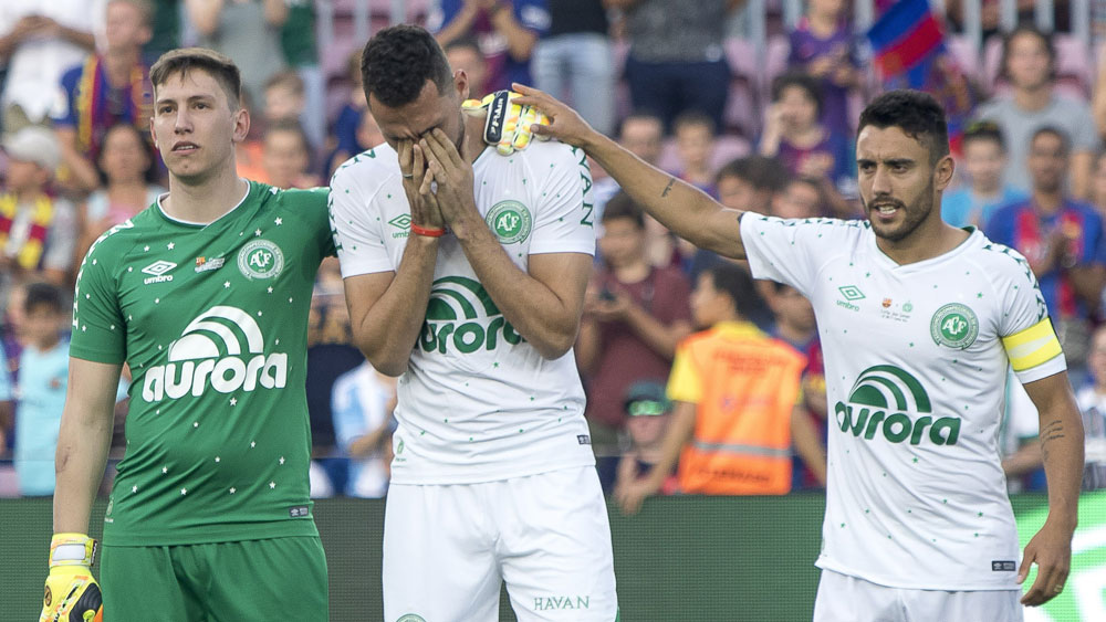 Barcelona pay tribute to Chapecoense in emotional friendly for Joan Gamper Trophy