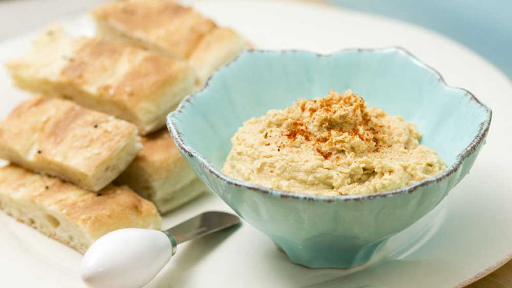 Super simple hummus dip