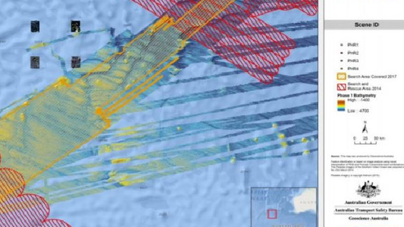 Satellite photos give new clues to MH370's possible location
