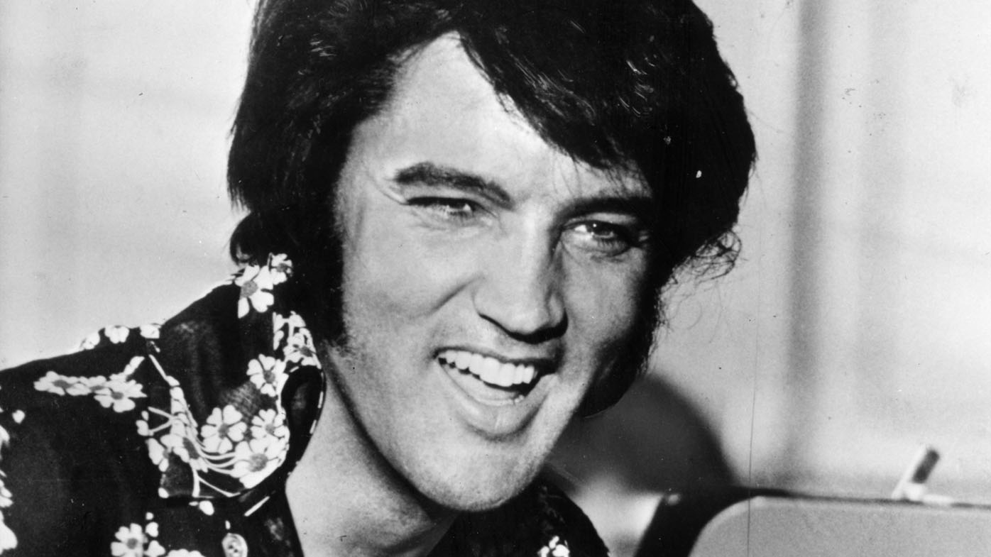 <strong>Elvis Presley earns $27 million a year, 40 years after death</strong>