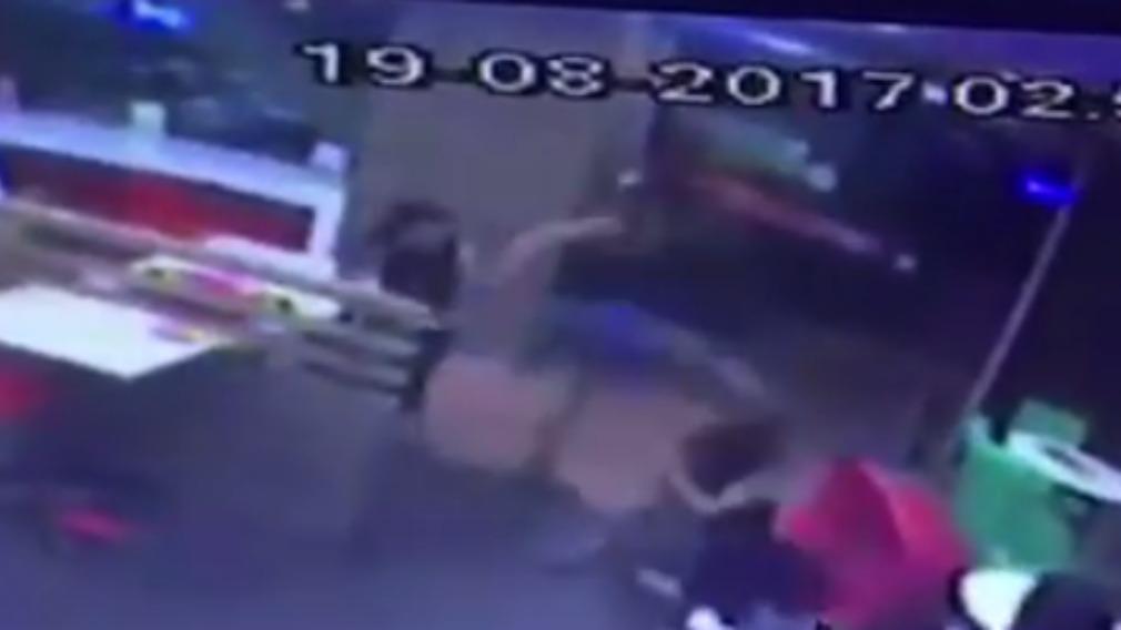 Tourist pulls innocent woman's hair at Bangkok McDonald's