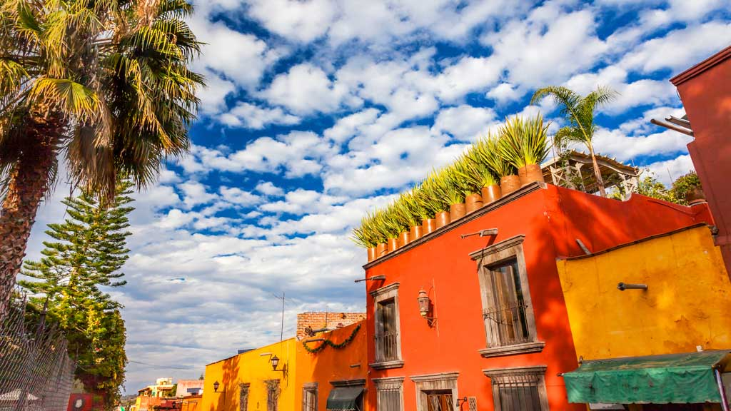 Is it safe to travel to Mexico? Tips for tourists - 9Travel