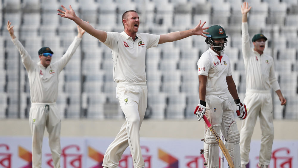 It was another day of disappointment for the Australian team in Bangladesh. (AAP)