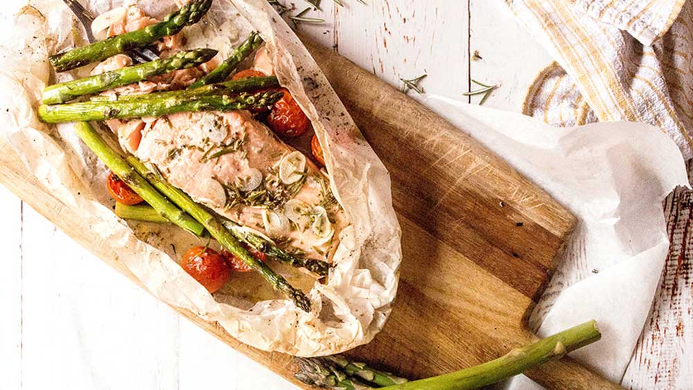 Lemon baked salmon with spring asparagus