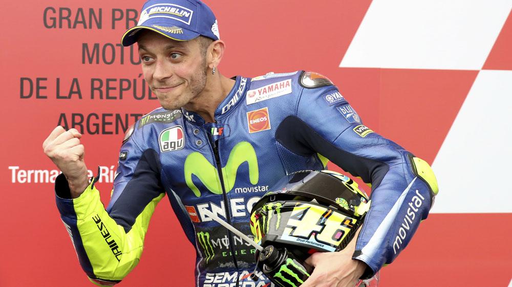Valentino Rossi suffers suspected broken leg in crash