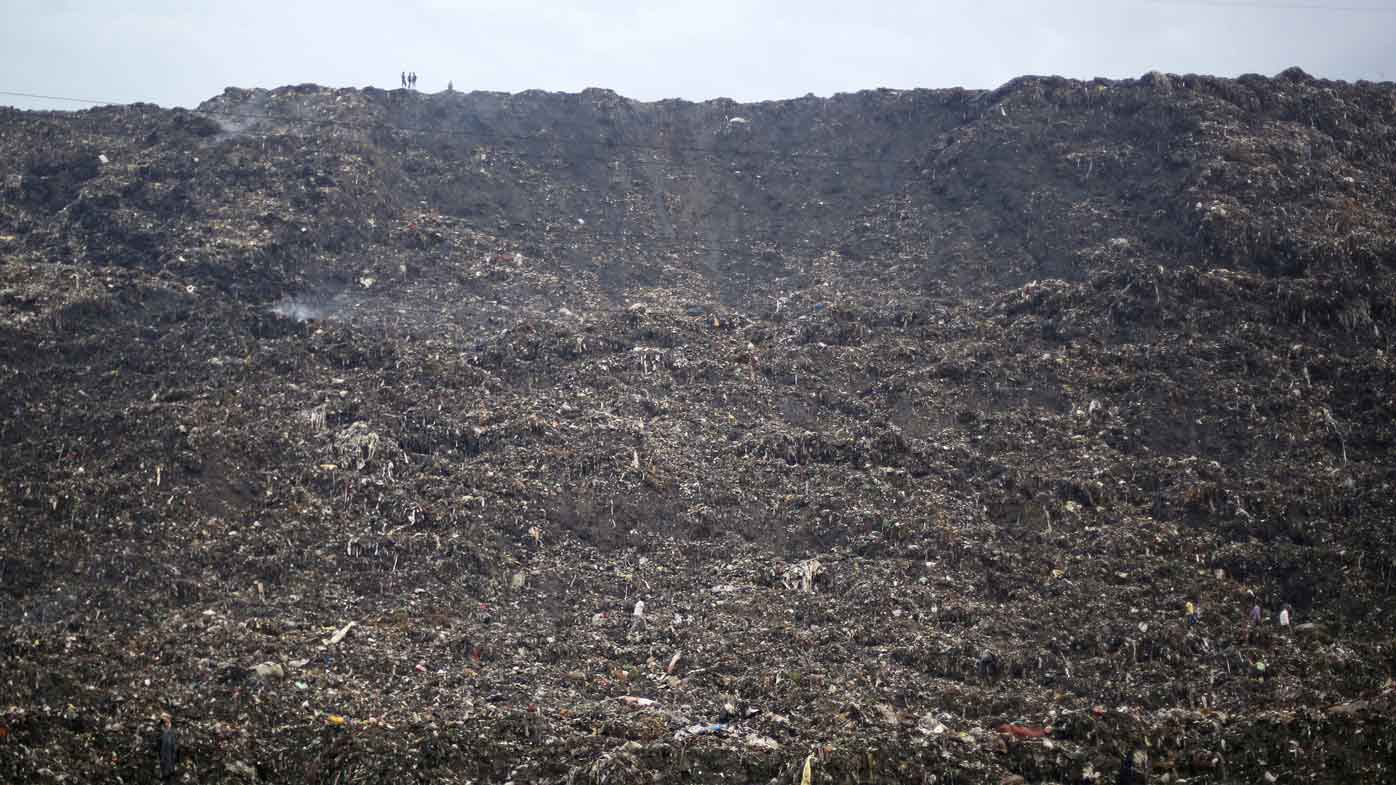 2 Die In Indian Garbage Mountain Collapse 9news