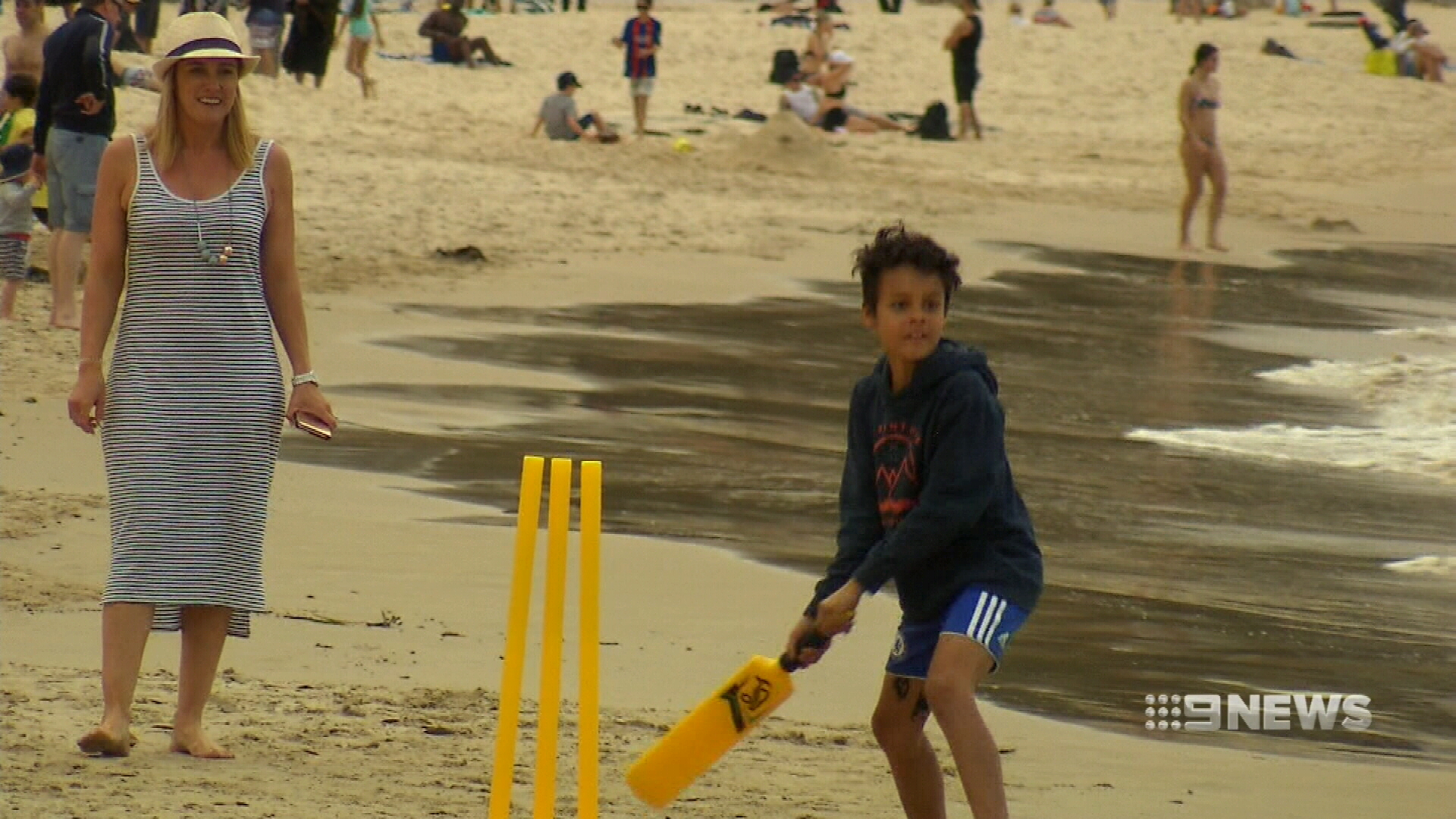 Temperatures hit 30 degrees in parts of Sydney. (9NEWS)