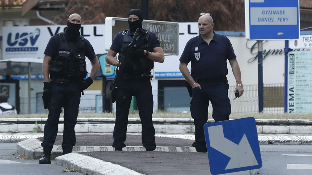 Bomb-making components were found in an apartment, sparking a counter-terrorist police raid in the Paris suburb of Villejuif. (AAP)