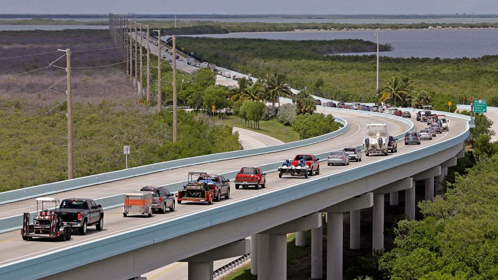 Motorists head north of Key Largo, Floridain anticipation of Hurricane Irma on September 6, 2017. (AP)