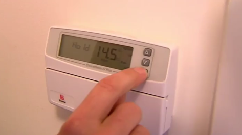 The trial could involve consumers switching off air conditioners for as little as half an hour during peak demand. (9NEWS)