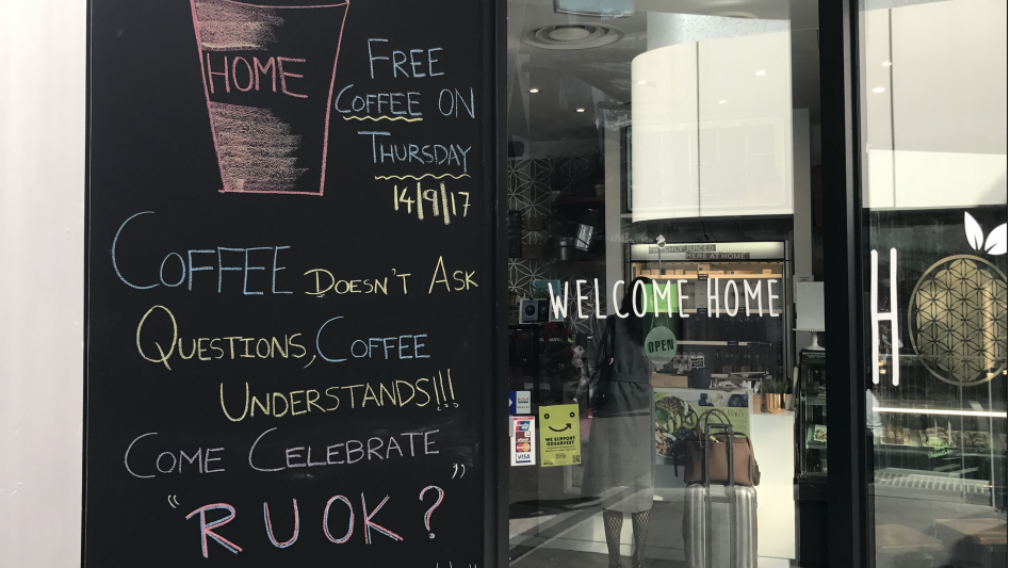 The free coffees were handed out to raise awareness about 'RU OK? Day'. (Sean Davidson / 9NEWS)