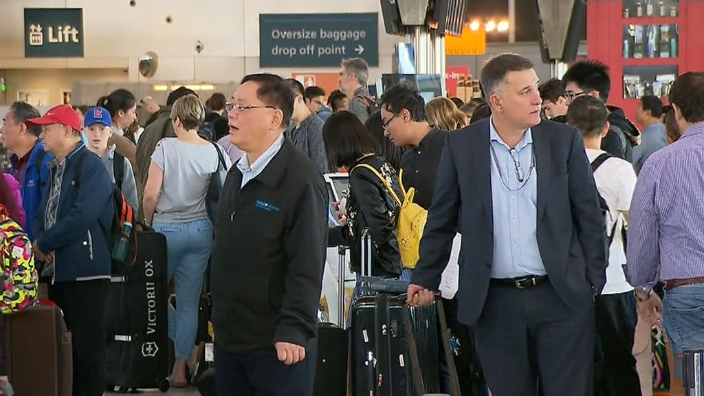 Flights resume but further delays expected at Sydney Airport