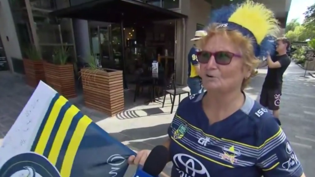 One of many fans already showing their blue and gold pride. (9NEWS)