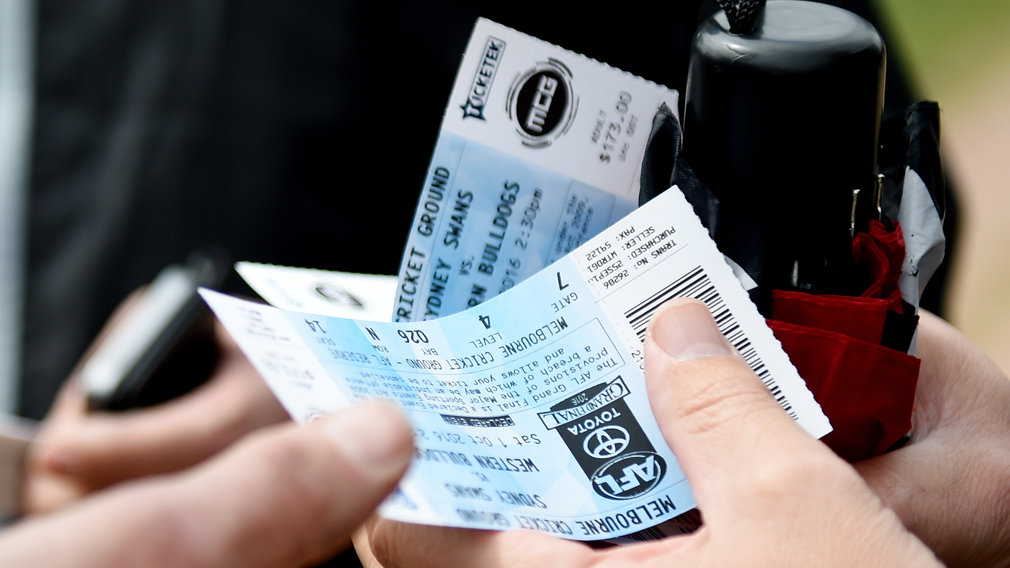 Scammer who sold fake AFL grand final tickets made 'silly mistake'